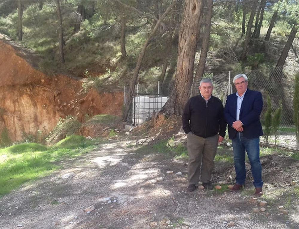 Juan Antonio Gila y Bartolomé Cruz han visitado los terrenos donde se construirá el punto de acopio de Hornos de Segura