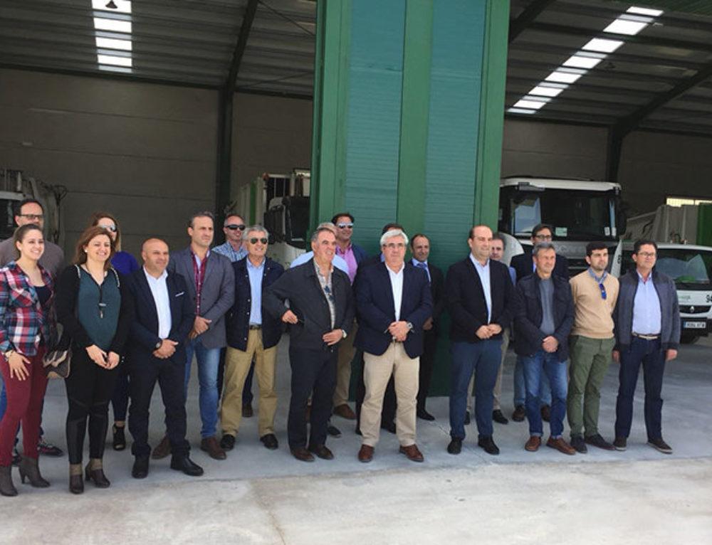 Inauguración de nuevas instalaciones para vehículos del servicio de recogida de residuos de la sierra de Cazorla