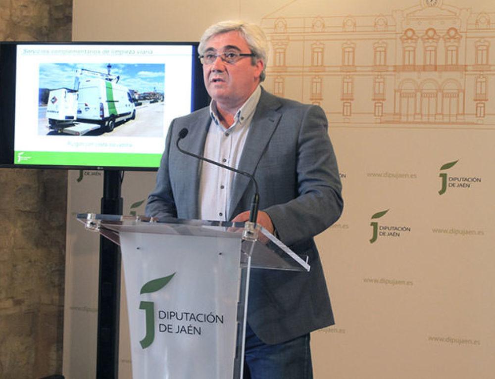 Diputación incorpora a sus servicios a ayuntamientos la ejecución de tareas especializadas de limpieza viaria a través de Resurja