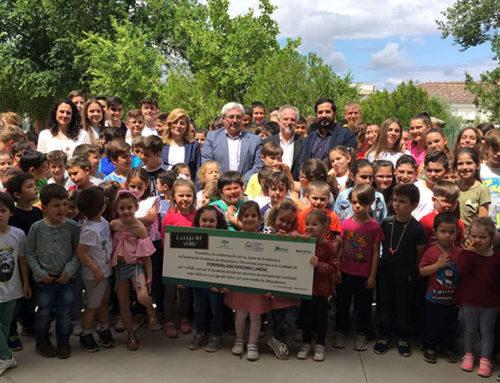 El colegio San José Artesano de Torreblascopedro recibe un premio por sus hábitos de reciclaje