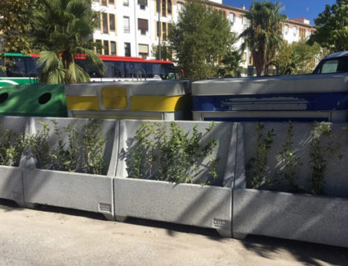 Instalados nuevos cerramientos para contenedores en 16 puntos de recogida en Baeza