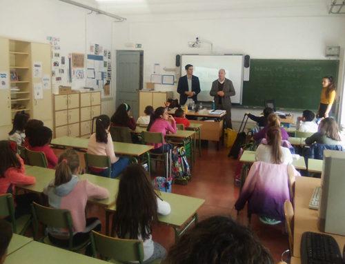 """José Luis Hidalgo visita el colegio Sierra Sur con motivo de la campaña escolar sobre reciclaje """"¡Todo cuenta!"""""""