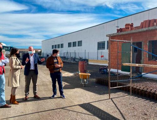 El diputado de Servicios Municipales visita las obras del punto de acopio de escombros de La Carolina