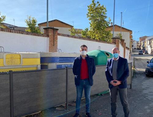 Diputación sufraga la mimetización de contenedores en Fuerte del Rey