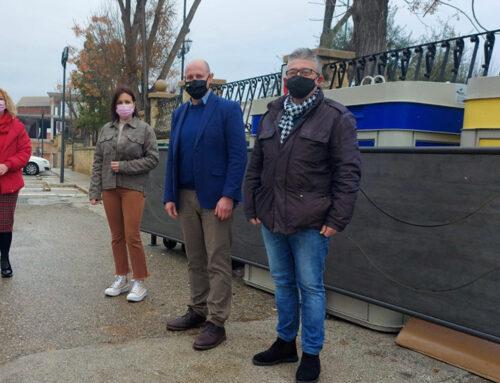 José Luis Hidalgo visita en Lopera los sistemas de mimetización de contenedores que ha financiado Diputación