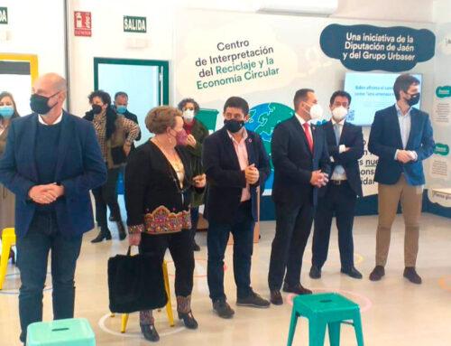 El presidente de la Diputación inaugura en Ibros el Centro de Interpretación del Reciclaje y la Economía Circular